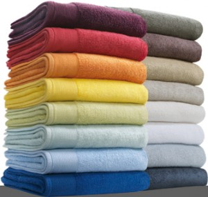 8 colorful towels