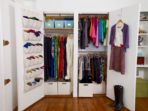 ghk-open-closet-with-clothes-0111-mdn