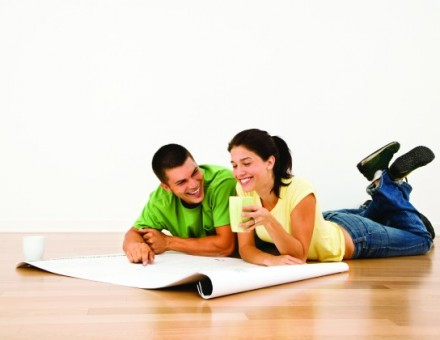 couple looking at a floorplan