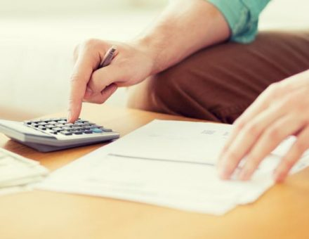 Mover calculating moving budget using a calculator